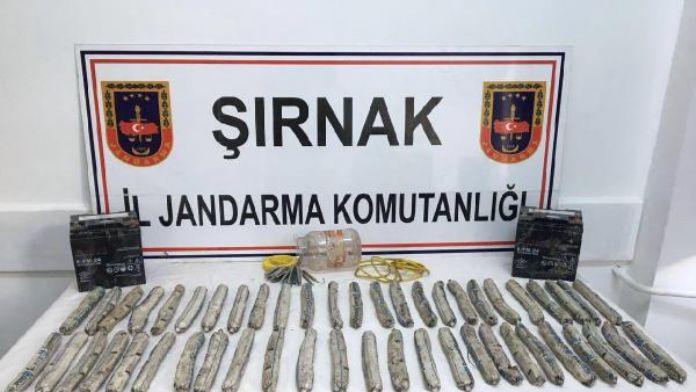 Şırnak'ta 49 dinamit lokumu ele geçirildi