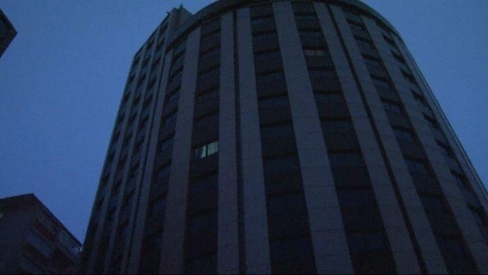 Otelin 10. katından atlayarak intihar etti