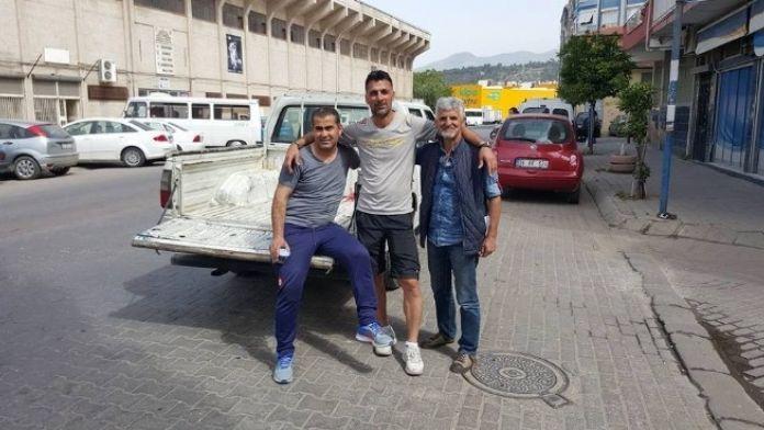 Adnan Menderes Stadı Boşaltılıyor