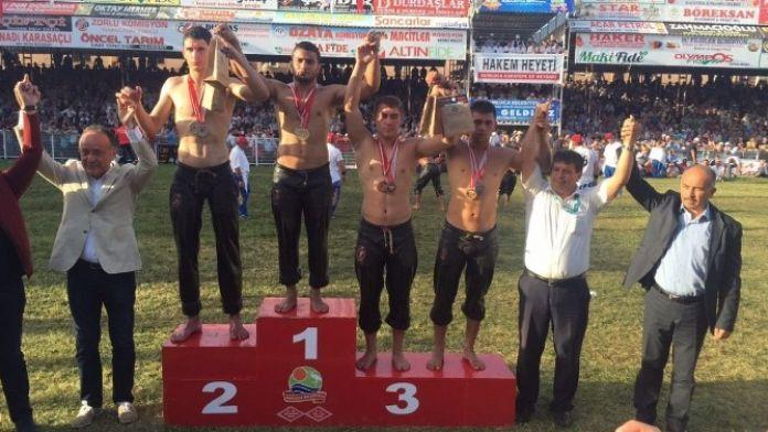 Kocaeli Büyükşehirli Sarı, Kumluca'da Şampiyon Oldu