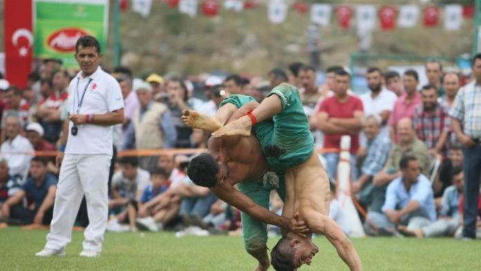 Kozan'da Karakucak Güreş Şöleni