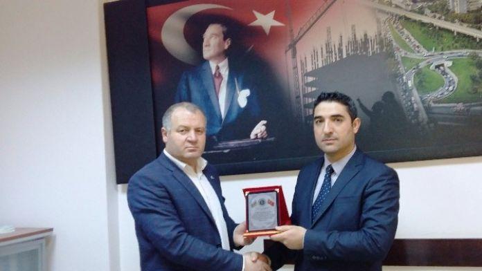 ASİMDER'den Şube Müdürü Dursun'a Plaket