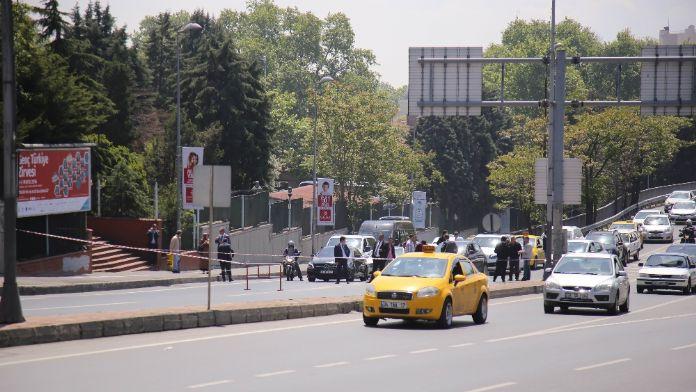 Yıldız Teknik Üniversitesi önünde şüpheli çanta alarmı
