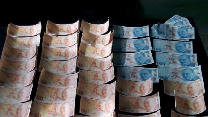 İki kadın, sahte paralarla yakalandı