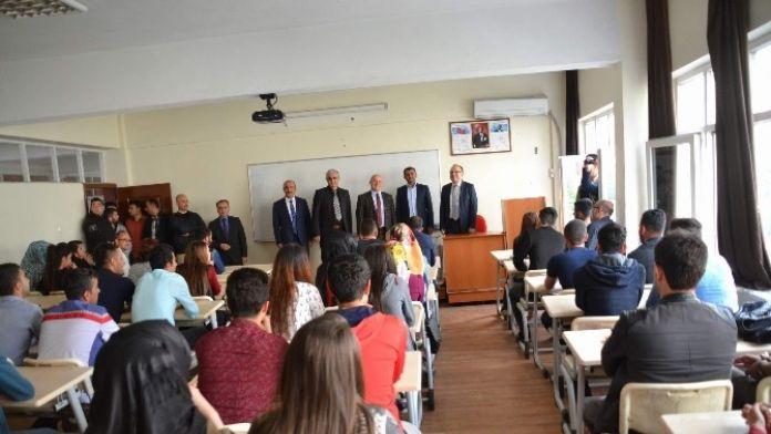 Siirt Valisi Tutulmaz, SİÜ'de Ders Verdi