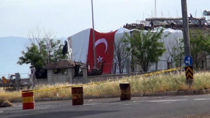Mardin'de hain saldırı: 1 şehit , 11 yaralı