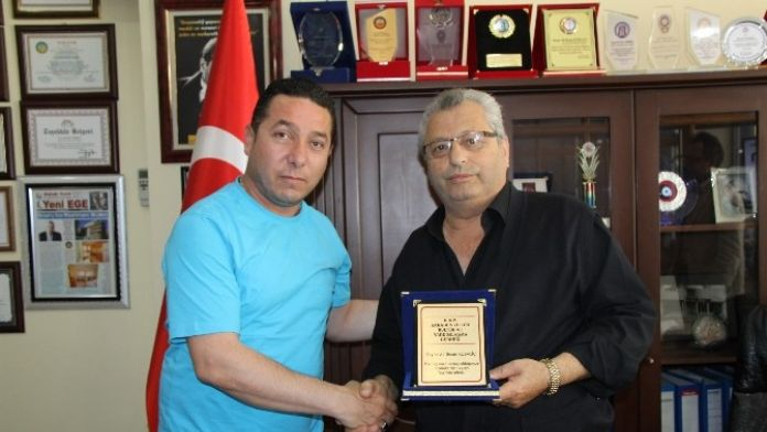 Didim'deki Karadenizlilerden Başkan Kubaliç'e Teşekkür Plaketi