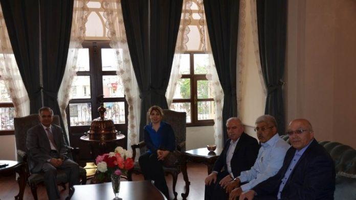 Vali Tapsız, Suriye Dostluk Derneği Yöneticilerini Kabul Etti