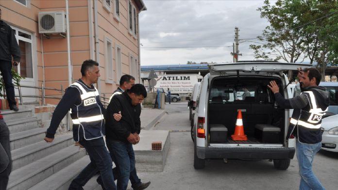 Sahte savcı ve polis, 1 milyon lirayla yakalandı
