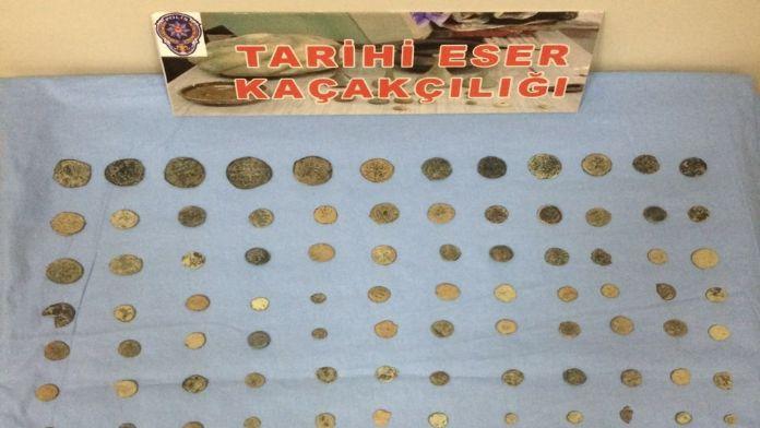 Satmak için İzmir'e getirdiler, yakalandılar: Tam 105 parça