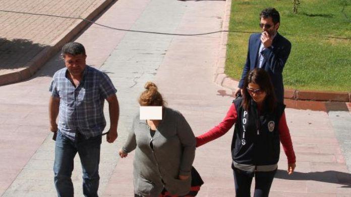 Gürcü kadın, ülkesinden getirdiği kadınlara fuhuş yaptırmaktan tutuklandı