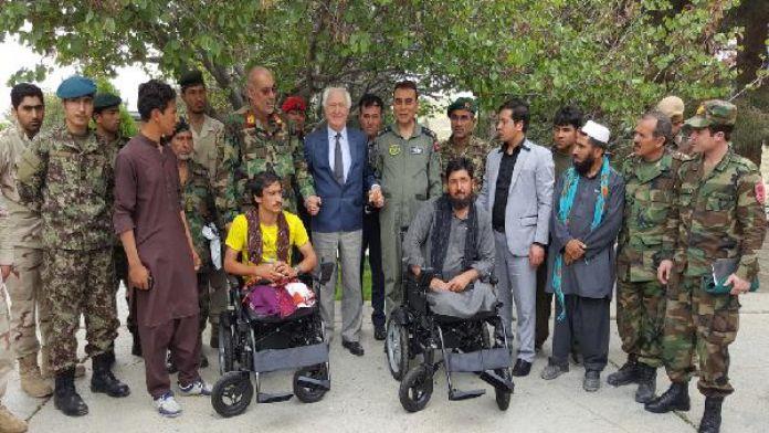 Türk Askerinden Afgan Gazilere akülü sandalye