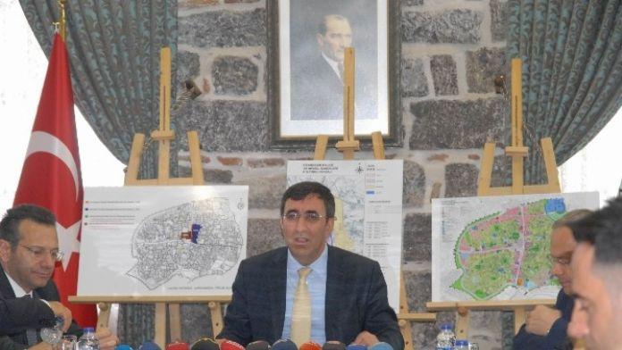 Kalkınma Bakanı Yılmaz Sur Çalışmalarını Anlattı