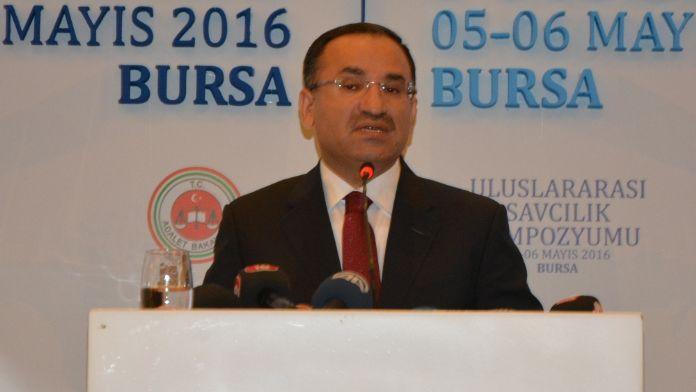 Adalet Bakanı savcıları uyardı
