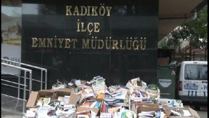 Kadıköy'de korsan CD ve kitap operasyonu...