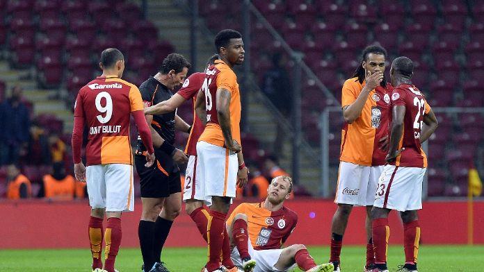Galatasaray'da derbi öncesi şok !