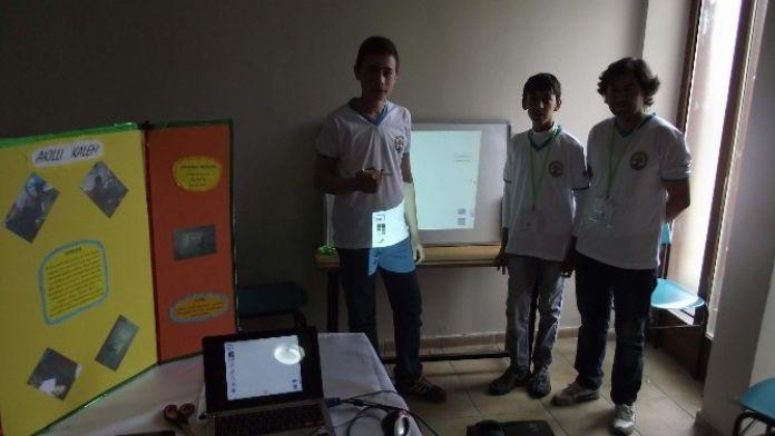Küçük Bilim Adamları Projelerini Sergiledi