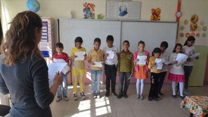 Çocuk haklarını 'Roman çocuklar' anlatacak