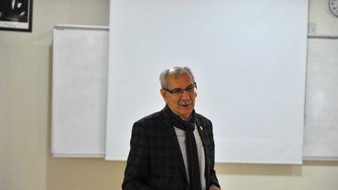 SAÜ'de 'Taraklı Örneğiyle Sakin Şehir-cittaslow' Konulu Bir Konferans Düzenlendi