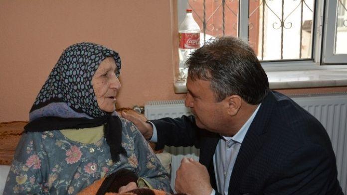 Başkan Çerçi Anneler Günü'nü Kutladı