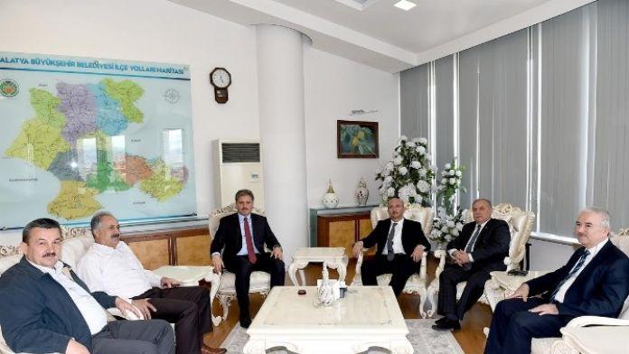 TÜİK Başkanı Aktaş, Başkan Ahmet Çakır'ı Ziyaret Etti