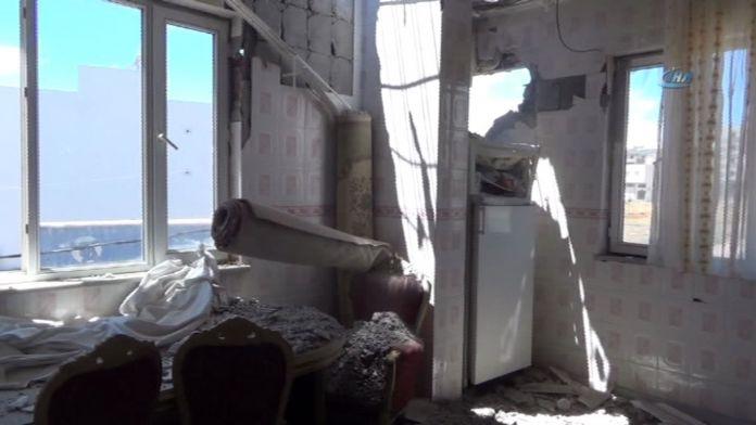 Roketlerden biri eve isabet etti