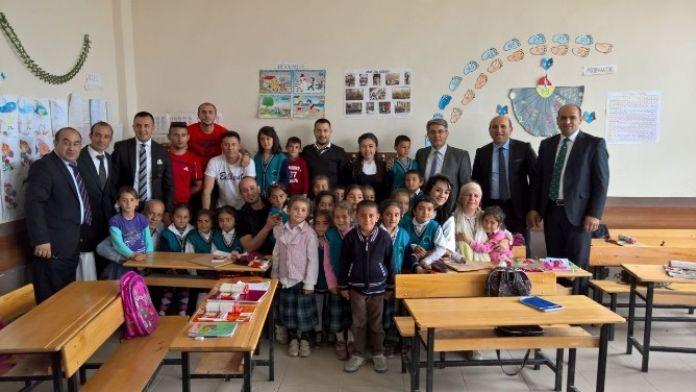 Tuzluca'de Eğitime Destek