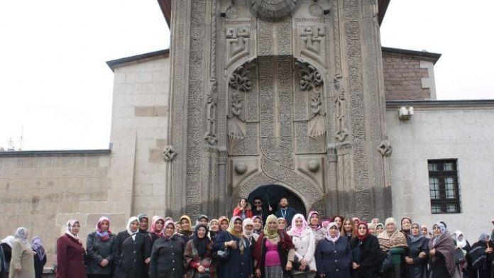 Uçhisar Belediyesi Kadınlar İçin Kültür Gezisi Düzenledi