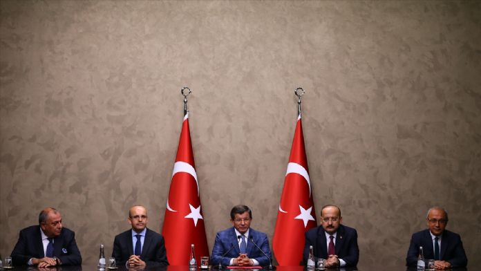 Başbakan Davutoğlu Bosna Hersek'e gitti
