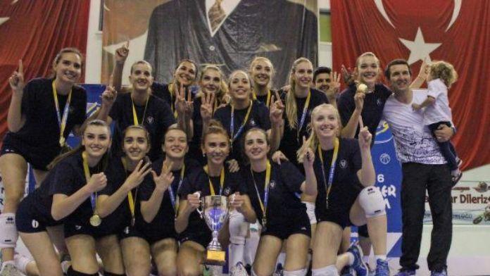 Yaşar Üniversitesi üst üste 3'üncü kez şampiyon