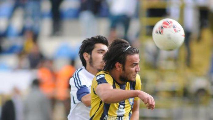 Bucasporlu İbrahim Medipol Başakşehir'in takibe aldı