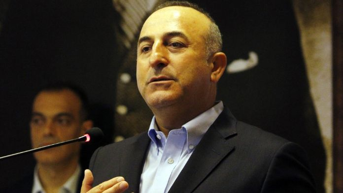 Çavuşoğlu'ndan AB'ye vize resti