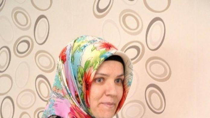 AK Parti'den Anneler Günü Etkinliği
