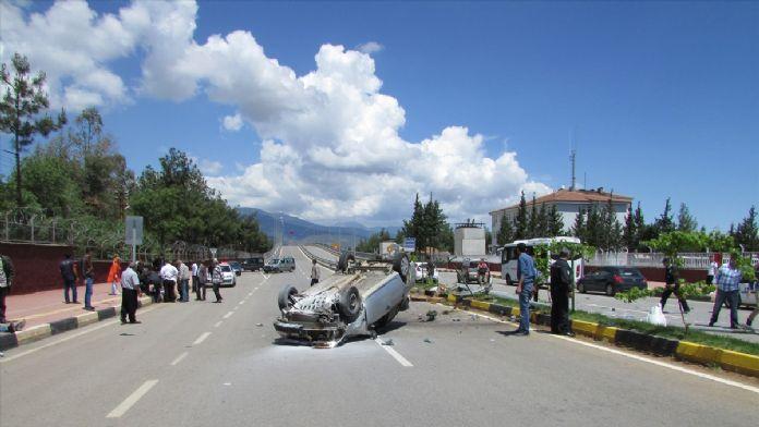 Gaziantep'te polis aracı kaza yaptı: 3 yaralı