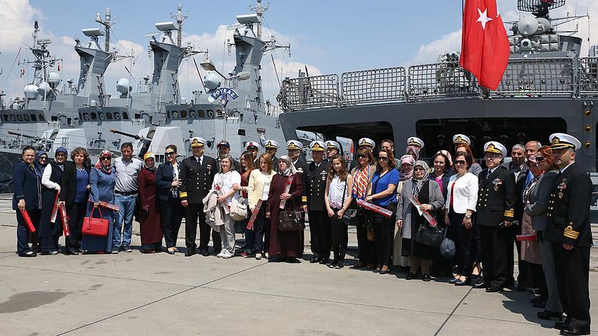 Donanma Komutanlığı'ndan Annelere Büyük Jest