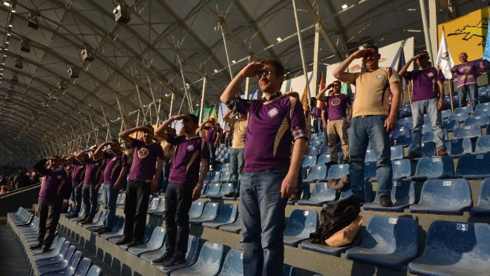 Tribünlerden işaret diliyle İstiklal Marşı