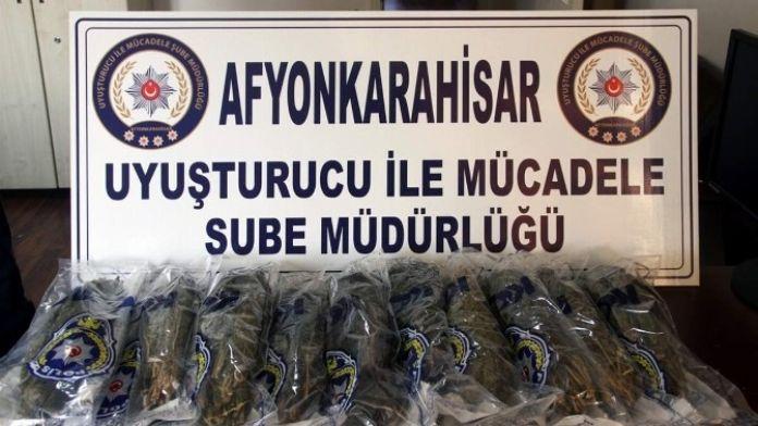Afyonkarahisar'da Polis 5 Kilogram Esrar Ele Geçirdi