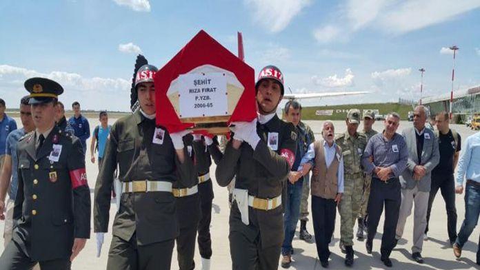 Şehit Yüzbaşı Fırat'ın cenazesi baba ocağında