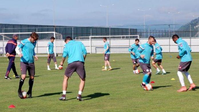 Çaykur Rizespor'da Karaman antrenmana çıkmadı