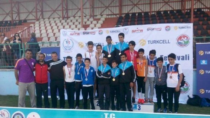 Nilüfer Belediyespor'un Küçük Atletleri Gururlandırdı