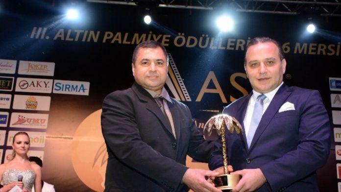 Yılın Spor Adamı Seçilen Kulüp Başkanı Ali Demirhan, Altın Palmiye Ödünü Aldı