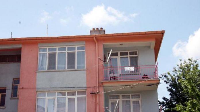 Hesabında 1.5 milyon lira bulunan çöpçü 2 aydır ev kirasını ödeyemiyor