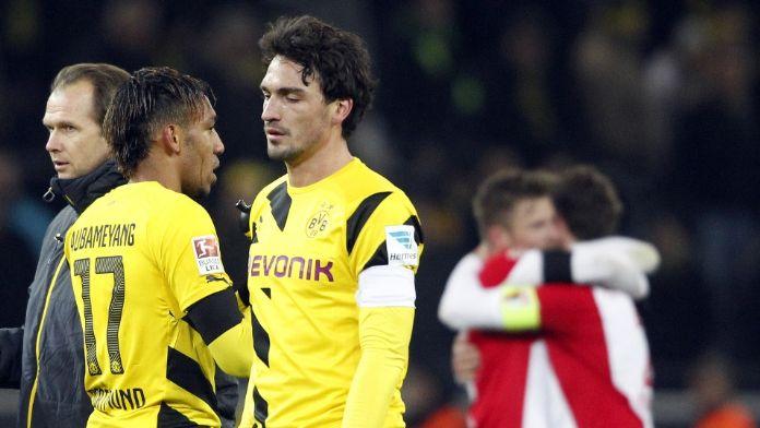 Bayern Münih Hummels'i renklerine bağladı