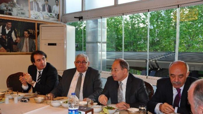 Erzurum'un Sorunları Ankara'da Masaya Yatırıldı