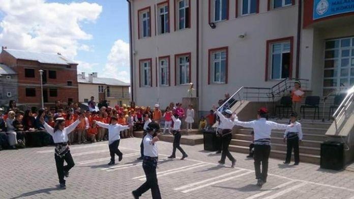 Malazgirt İlkokulu'nda Aşık Ruhsati'yi Anma Şenliği Düzenlendi