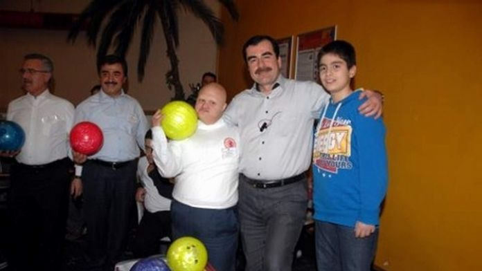 AK Parti'li Mehmet Erdem, Engellileri Unutmadı
