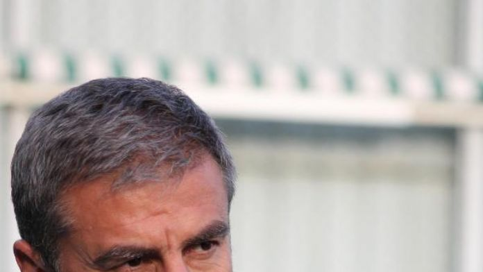 Bursaspor Teknik Direktörü Hamzaoğlu: Gidecekler Mersin maçından sonra belli olacak