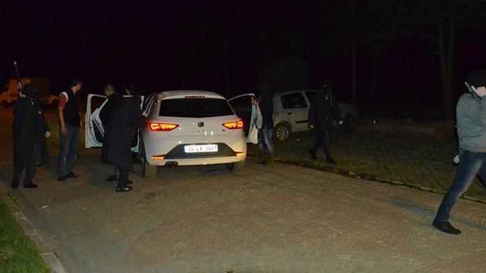 İstanbul'da teröristler kimlik kontrolü yaptı