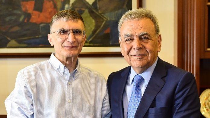 Nobel Ödüllü Aziz Sancar İzmir'de