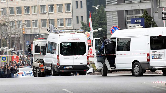 İstanbul'da bombalı araç alarmı!